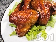 Вкусни сочни печени мариновани пилешки крилца със соев сос, бяло вино, чесън и кимион на фурна